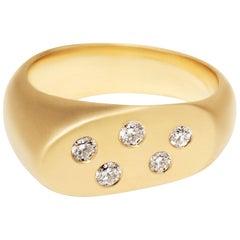 Lipstick 18 Karat Gold Ring with Constellation Diamonds