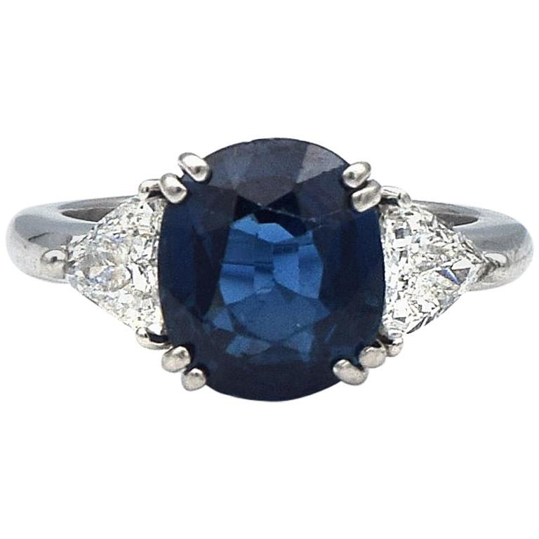 AGL Certified 4.41 Carat Natural Blue Sapphire and Diamonds Ring