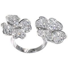 Van Cleef & Arpels Cosmos between the Finger Ring, White Gold, Diamond