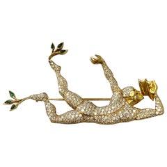 White Diamond Earrings and Brooch Set of Man Dancing in 18 Karat Yellow Gold