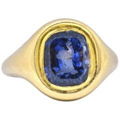 6 Carat Carved Ostrich Unheated Ceylon Sapphire 18 Karat Yellow Gold Unisex Ring