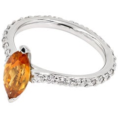 Mandarine Garnet and Ideal Cut Round Diamond Platinum Ring