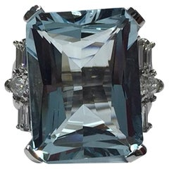 14 Karat Gold Emerald Cut Aquamarine 18.10 Carat Diamond Cocktail Ring