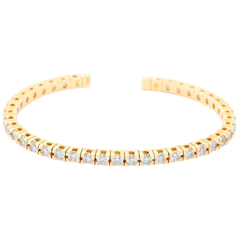 Beautiful 14 Karat Yellow Gold Sparkling Diamond Cuff Bracelet