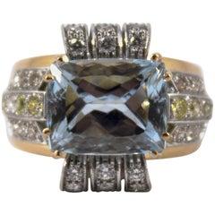 Art Deco 7.18 Carat Aquamarine 0.94 Carat Diamond Yellow Gold Cocktail Ring