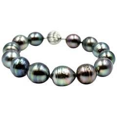 Baroque Pearl Bracelet with 14 Karat White Gold Clasp