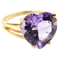 Heart Cut Amethyst Gemstone Ring 14 Karat Yellow Gold