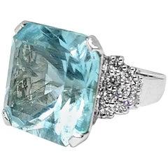 27.10 Carat Aquamarine and 1.2 Carat Diamond Gold Ring