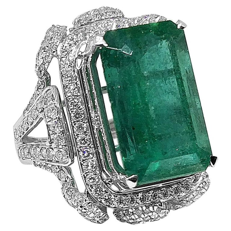 Art Deco 11.76 Carat Emerald 1.43 Carat Diamond Ring