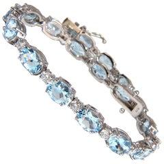 11.97 Carat Natural Aquamarine Diamonds Tennis Bracelet 14 Karat Aqua Blue