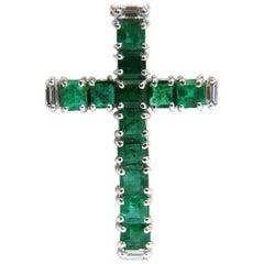 18 Karat 4.66 Carat Natural Emerald Diamonds Cross Pendant Necklace