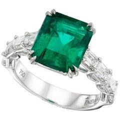 4.44 Carat Brazilian Emerald Next To VVS Diamonds White Gold 18 Karat Ring