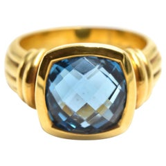 Blue Topaz Ring 18 Karat Yellow Gold