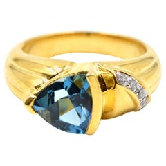 1.60 Carat Blue Topaz and Diamond Ring 18 Karat Yellow Gold