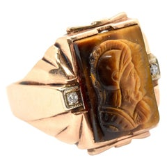 10 Karat Yellow Gold and Carved Tigers Eye Fashion Ring