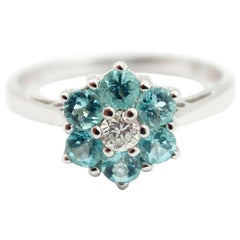 18 Karat White Gold, 0.31 Carat Diamond and 0.67 Carat Tourmaline Daisy Ring