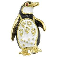 18 Karat Yellow Gold Diamond Penguin Brooch