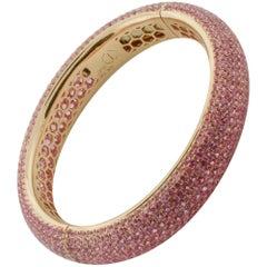 Stunning Pink Sapphire Bangle Bracelet in 18 Karat Rose Gold 31.47 Carat