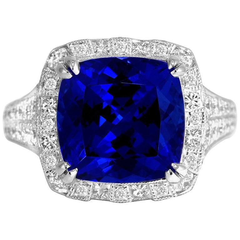 6.99 Carat Vivid Blue Tanzanite and Diamond Cocktail Ring in 18 Karat White Gold For Sale