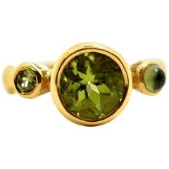 Lee Brevard 18 Karat Yellow Gold and Peridot Ring 5.51 Grams