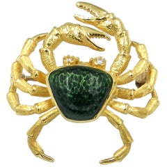18 Karat Yellow Gold Green Enamel Diamond Eyes Crab Brooch