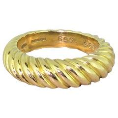 Boucheron 18 Karat Yellow Gold Grooved Ring