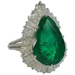 Huge Pear Cut Emerald and 5.00 Carat Diamond 18 Carat Gold Cocktail Ring