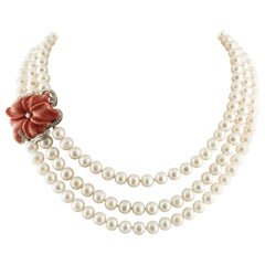 White Diamonds Red Coral White Pearls White Gold Clasp Beaded Pearls Necklace