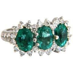 3.87ct 18Kt Natural Vivid Green Emeralds Diamond Ring Cluster Classic Three
