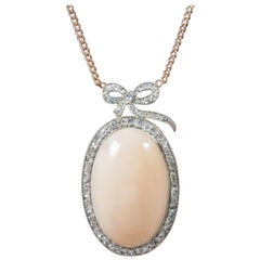 Antique Edwardian Coral Pendant Necklace 18 Carat Gold, circa 1910
