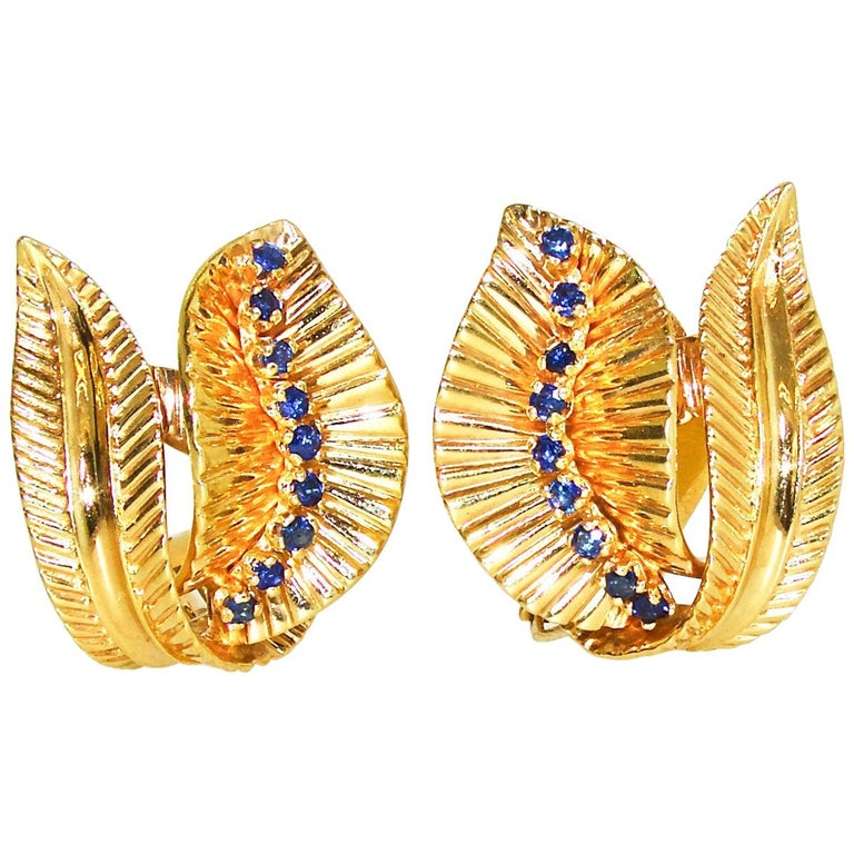 Retro Gold and Sapphire Earrings, circa 1950 For Sale