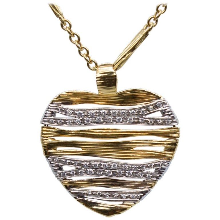 31fed614aac Designer Roberto Coin Estate 18 Karat Gold Round Diamond Heart Necklace  Chain