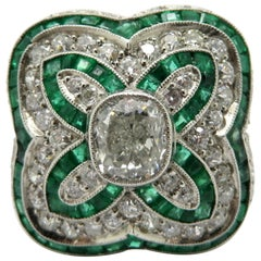 Estate Vintage Antique Platinum Art Deco Emerald and Diamond Clover Motif Ring