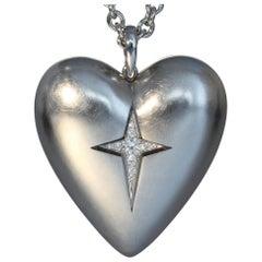 Robert Vogelsang 0.16 Carat Diamond Platinum Heart Pendant Necklace