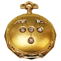 Remontoir Cylindre 10 Rubis Woman's Swiss Pocket Watch 14 Carat Gold Diamonds