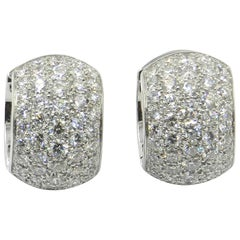 18 Karat White Gold White Diamonds Garavelli Round Huggie Earrings