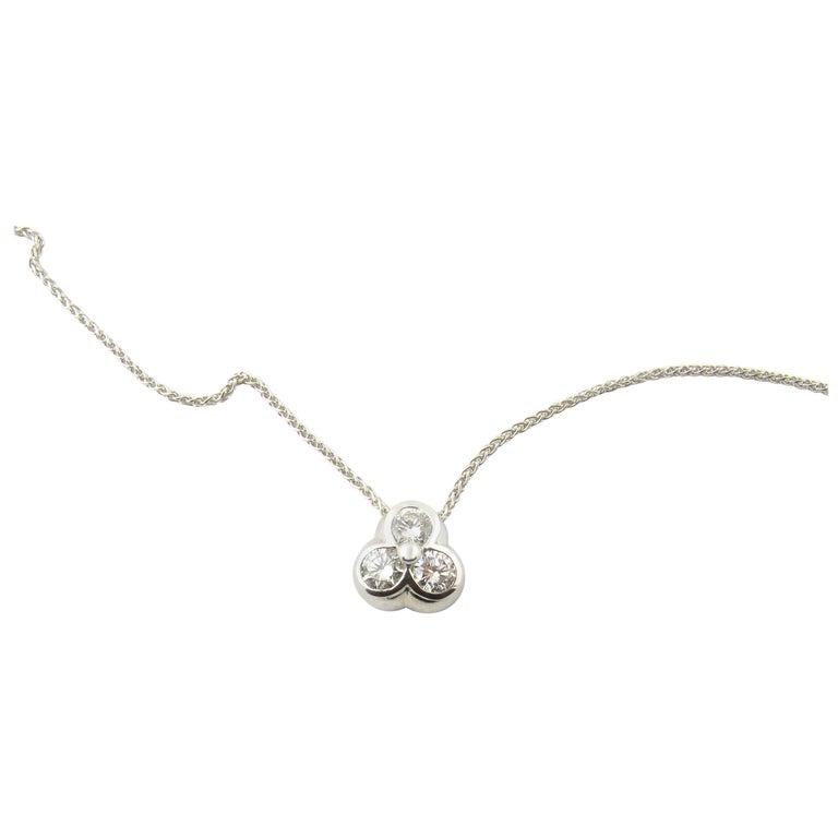 14 Karat White Gold Diamond Pendant Necklace