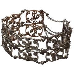 Delicate Victorian Antique Design Platinum 18 Karat Gold Diamond Bracelet Floral