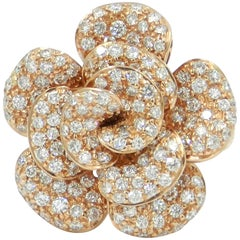 18 Karat Rose Gold White Diamonds Pavè Flower Garavelli Ring