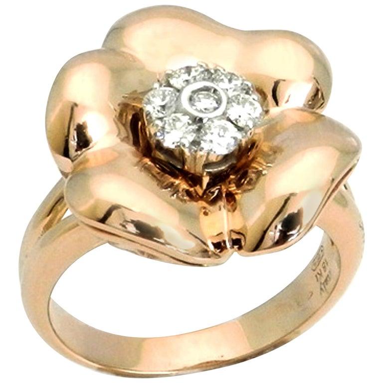 18 Karat Rose Gold White Diamonds Flower Garavelli Ring
