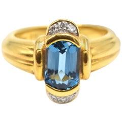 Blue Topaz and Diamond Ring 18 Karat Yellow Gold