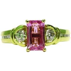 2.75 Carat Natural Pink Sapphire Diamond Ring 18 Karat