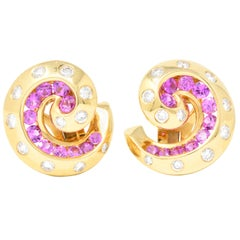Van Cleef & Arpels Sapphire Diamond and 18 Karat Gold Ear-Clips Earrings