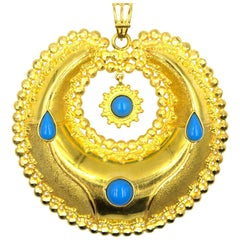 1970s 21 Karat Yellow Gold Turquoise Medallion Pendant