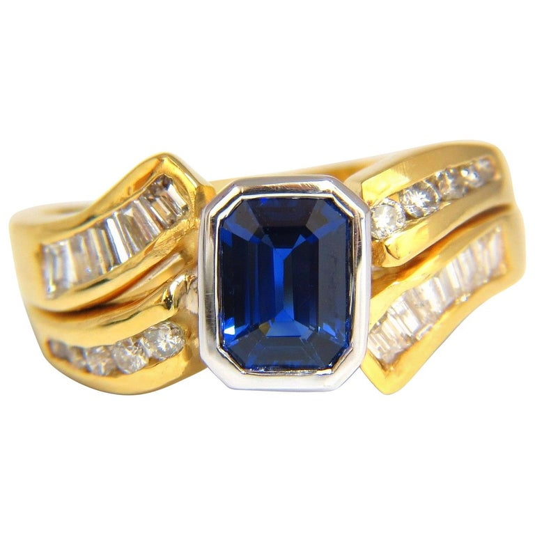 2.44 Carat Natural Blue Sapphire Diamonds Ring 14 Karat Royal Blue Traditional