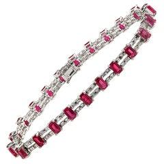 13.50 Carat Natural Ruby and 0.87 Carat Diamonds 18 Karat White Gold Bracelet