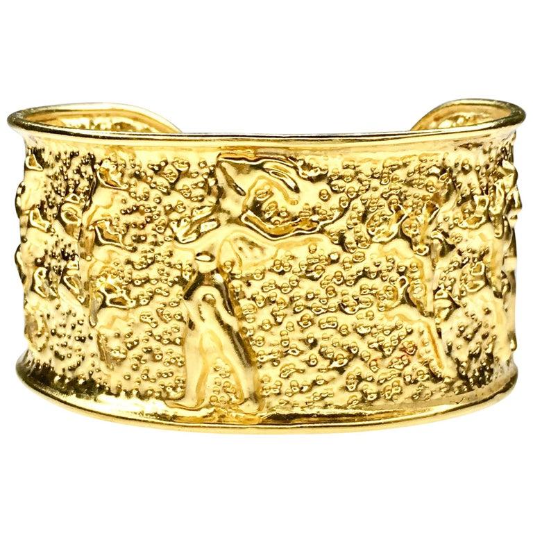 Gold Cuff-Bracelet