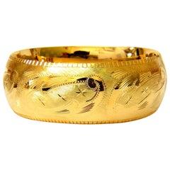 Bangle Bracelet 14 Karat Graver Etched Gilt Artistic Detail Button Snap Closure