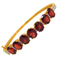 16.75 Carat Natural Red Garnet Diamonds Bangle Bracelet 14 Karat