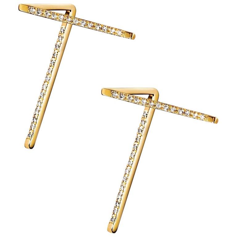 18 Karat Yellow Gold Diamond Pair of Stud Earrings